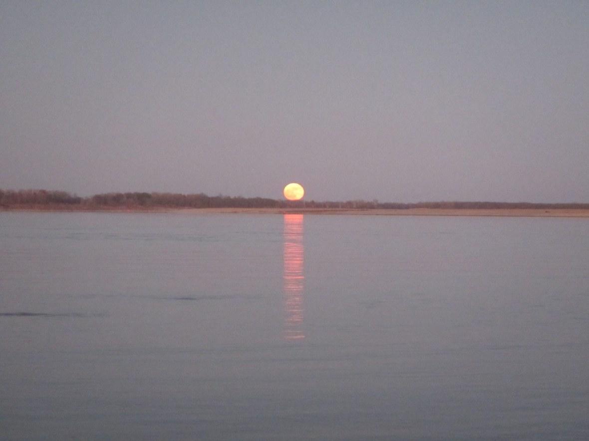 Moonrise on the Mississippi